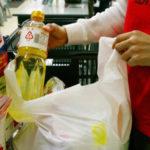 レジ袋の有料義務化、買い物客の反応は?コンビニはNGとの意見も